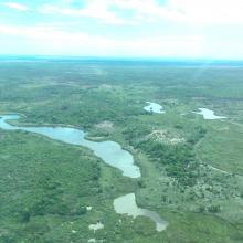 Lacs satéllites autour du lac Ambondrobe
