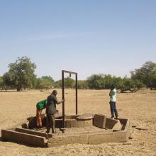 Photo 8 : Puits pastoral pérenne du fait de la recharge de la nappe phréatique par la zone humide dans le village de Nogodoum