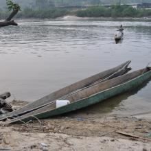 Pirogier sur Mboungou Badouma et de Doume