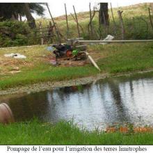 Pompage de l'eau pour l'irrigation des terres limitrophes