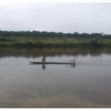 Fleuve Nyanga, déplacement  à bord d'une pirogue