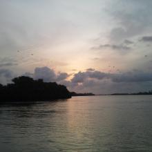 Coucher du soleil sur la lagune côtière à Grand-Popo